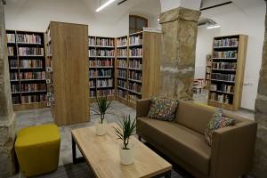 knihovna 2