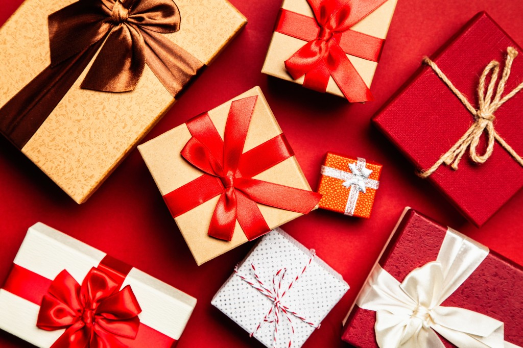 assorted-gift-boxes-on-red-surface-1666065